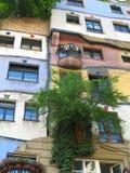 26 05 2018, Wiedeń, Austria: Hundertwasser dom jest jeden najwięcej Wiedeń główne atrakcje, sztuka i rocznika zakupy architektoni obraz royalty free