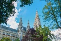 WIEDEŃ AUSTRIA, LIPIEC, - 29, 2016: Urzędu miasta Rathaus mrówka wysoki tr Obraz Royalty Free