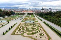 WIEDEŃ AUSTRIA, Sierpień 27 belwederu pałac na Sierpień ogród, - Zdjęcie Royalty Free