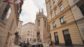 Wiedeń Austria, Sierpień, - 13, 2018: Calles De Los angeles Ciudad De Viena en Austria zdjęcie wideo