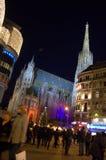 Wiedeń Stephansdom kwadrata nocy widok zdjęcia royalty free