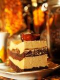 Wiedeń tort z migdałem i karmelem zdjęcie royalty free