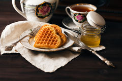 Wiedeńscy opłatki z herbatą i miodem zdjęcia royalty free