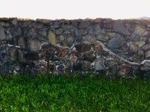 Wieder aufgebaute Wand vom Amphitheatre des römischen castrum Porolissum von Siebenbürgen, Rumänien stockbilder