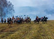 Wieder--enactors auf dem Glattbutt-Schlachtfeld für die Rekonstruktion des Kampfes 1812 des Berezina-Flusses, Weißrussland Lizenzfreie Stockfotografie