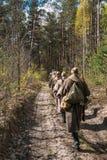 Wieder--enactors gekleidet als sowjetische russische rote Armee-Infanterie-Soldaten Stockfotos