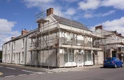 Wiederaufbauenarbeit für Haus Stockfoto