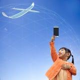 Wiedergabe 3D der Kommunikation 5G mit nettem Hintergrund Lizenzfreie Stockfotografie