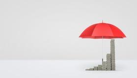 Wiedergabe 3d eines offenen roten Regenschirmes auf dem weißen Hintergrund, der einige Stapel Geld gesetzt als wachsendes Diagram Stockfotos