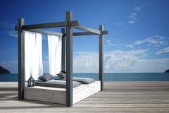Wiedergabe 3D: Illustration der hölzernen Strandaufenthaltsraumdekoration hölzernen Raumart des Balkons an der im Freien mit Sund Stockfotos
