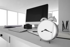 Wiedergabe 3D: Illustration des Retro- Weckers gesetzt auf Holztisch Lizenzfreie Stockfotos