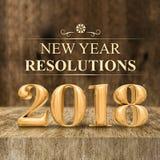Wiedergabe der Beschlüsse 3d des Goldglänzende 2018 neuen Jahres an hölzerner Querstation Lizenzfreies Stockbild
