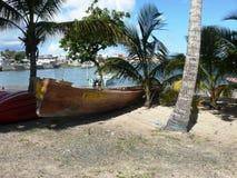 Wiedergabe eines alten Arawak-Kanus Lizenzfreies Stockfoto