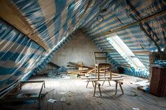 Wiederherstellung des Dachbodens stockbild