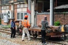 Wiederherstellung die Bahnstrecken Stockfotos