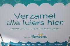 Wiederverwertung Windeln durch Pampers in Amsterdam die Niederlande 2019 lizenzfreie stockbilder