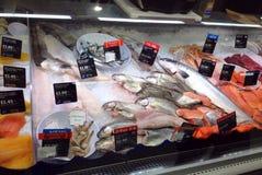 świeże ryby sprzedaży Obrazy Royalty Free