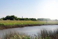 Wiejska krajobrazu gospodarstwa rolnego rzeka obrazy stock