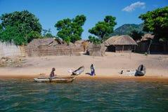 Wiejska scena na Jeziornym Malawi obraz royalty free