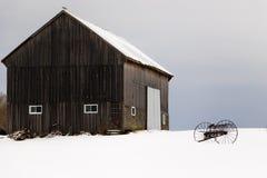 Wiejski Amish uprawia ziemię w Kanada wsi zdjęcia stock