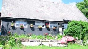 Wiejski dom w Czeskiej wiosce Stary wieśniaka dom zdjęcie wideo