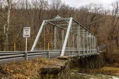 Wiejski, Historyczny most, - Fredericktown, Ohio obraz stock