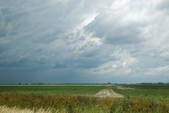 Wiejski Indiana z burz chmurami zdjęcia stock