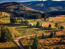 Wiejski krajobraz przy zmierzchem chwytającym z trutniem zdjęcie stock