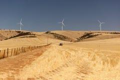 Wiejski krajobraz z wiatrowymi generatorami. Południowy Australia Obrazy Stock
