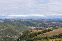 Wiejskiej Suchej zimy roślinności Chmurnego nieba pustkowia Błękitny Landscap Zdjęcia Stock
