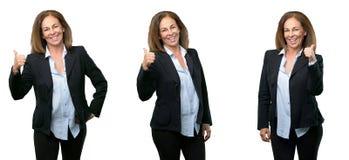 Wiek średni biznesowa kobieta z długie włosy fotografia royalty free