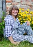 Wiek średni kobieta na gospodarstwie rolnym Zdjęcia Royalty Free