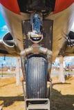 Wiel van een oud militair vliegtuig Royalty-vrije Stock Foto