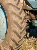 Wiel van een oude tractor Royalty-vrije Stock Fotografie