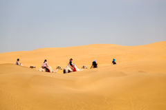 Wielbłądy Karawanowi w pustyni fotografia royalty free