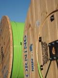 Wielcy bębeny z zielonym włókna włókna światłowodowego kablem Zdjęcie Royalty Free
