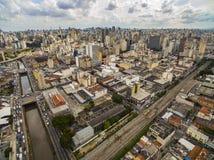 Wielcy miasta, wielkie aleje, domy i budynki, Lekki gromadzki Bairro da Luz, Sao Paulo Brazylia, poręcz i subw, obraz stock
