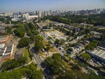 Wielcy miasta, wielkie aleje Miasto Sao Paulo, Narody Zjednoczone aleja, Vila Almeida sąsiedztwo, Brazylia obrazy stock