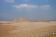 Wielcy ostrosłupy Gizah w Kair, Egipt Obrazy Royalty Free