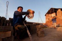 Wielcy piekarniki, kilns, używać leczyć gliniane cegły w Wietnam Obrazy Stock