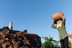Wielcy piekarniki, kilns, używać leczyć gliniane cegły w Wietnam Obrazy Royalty Free