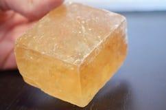 Wielcy Pomarańczowi Kubiczni kalcytów kryształy dla płciowości, twórczości & optymizmu! Jaskrawa pomarańczowa kalcyt próbka ilość zdjęcia stock