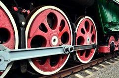 Wieldetail van een uitstekende locomotief van de stoomtrein stock foto