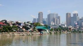 Wiele budynki lokalizować w Manila, Filipiny fotografia royalty free