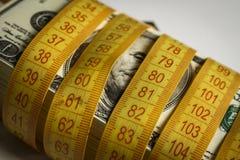 Wiele dolary wiążący z metrem zdjęcie royalty free