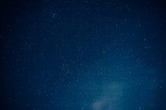 Wiele gwiazdy na nocnym niebie, gwiazdy tło Fotografia Royalty Free