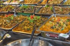 Wiele jakby Tajlandzki karmowy bubel w ulicznym rynku, Tajlandia obraz royalty free