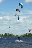 Wiele kitesurfers Zdjęcie Stock