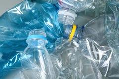 Wiele klingeryt butelki jako tło, zbliżenie obrazy royalty free