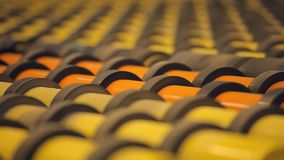 Wiele rolowniki staczający się - produkty Nowożytna zaawansowany technicznie konwejeru przesuwania się produkcja zbiory